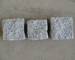 G636 Pink Granite Cobble Stones