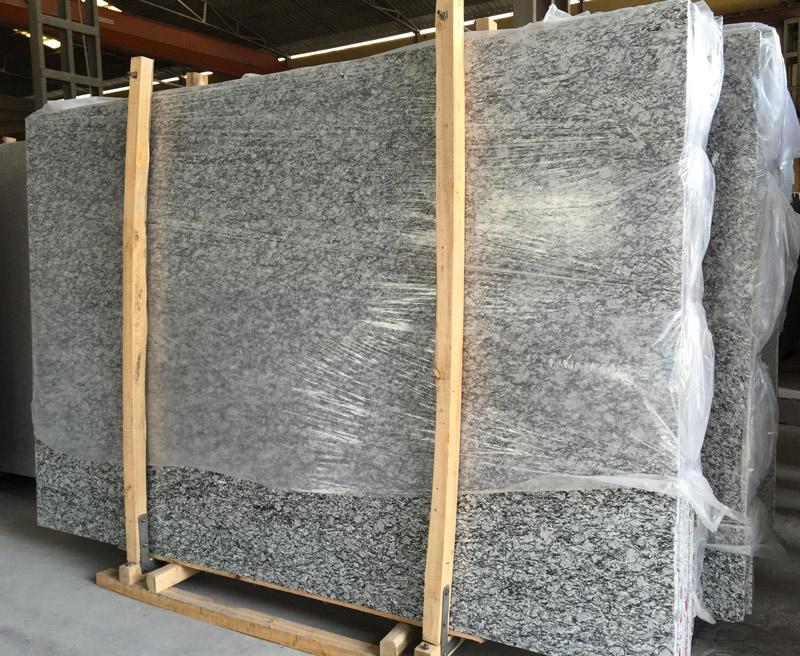 Spray White Granite Slabs